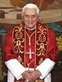 Der so genannte Papst in seiner ganzen Pracht. So einer lebt, und Jesus musste sterben!